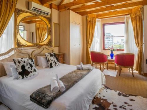 Large Balcony Studio Apartment