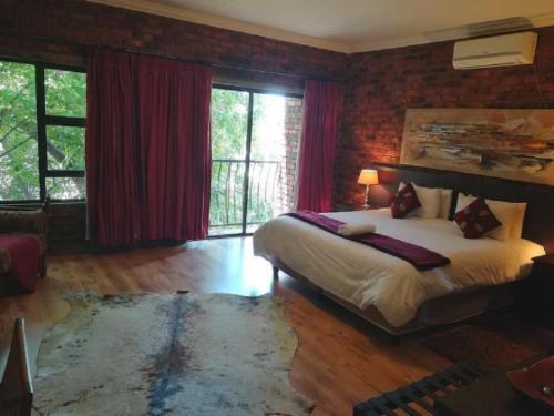 1st Floor Luxury Suite double bath