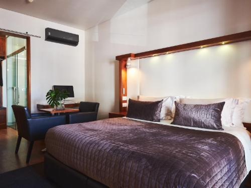 Deluxe Room without outside Balcony