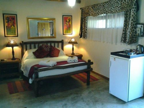 Twin Bed Room 2 - Leopard