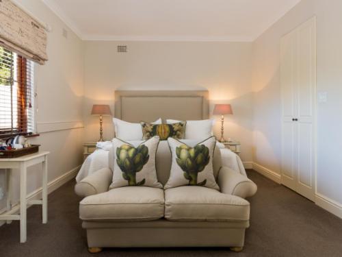 Deluxe Room 4 : Private Balcony