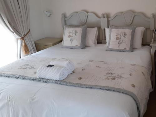 King Bed with sofa bed, en suite