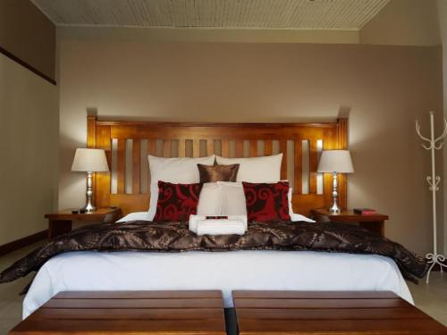 Room 11 - King Bed