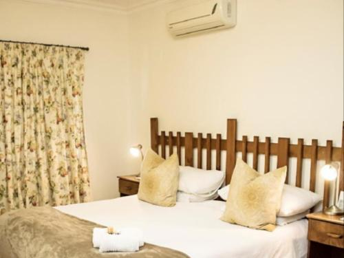 Deluxe King (King Bed) Room