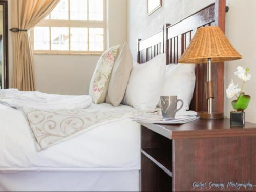 Std 2 - double room with king size bed