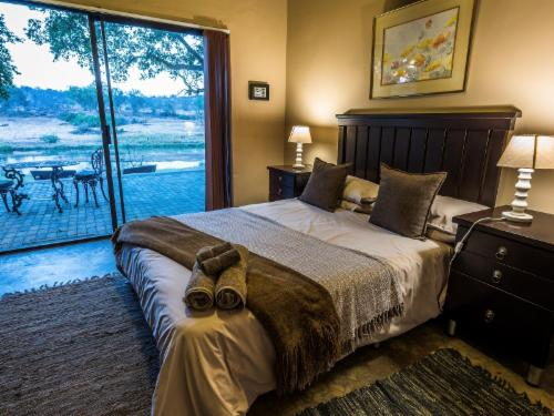 Maninghi River View Room 2