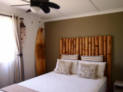 The Bamboo Room - Queen bed