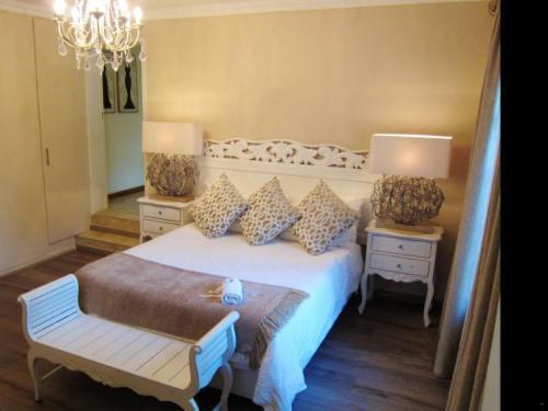 Room 3 (Deluxe Room)