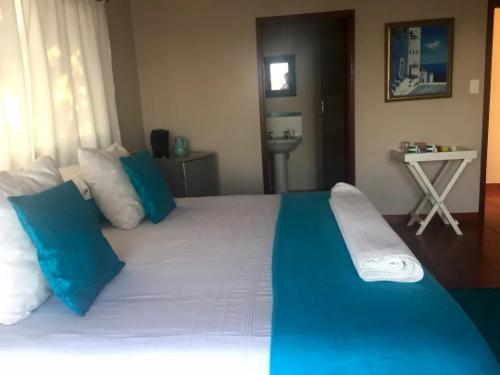Sea Facing Bedroom - Bali