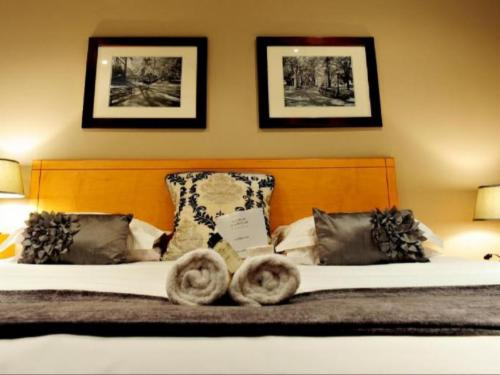 King Size Bed(Double Economy Rooms)