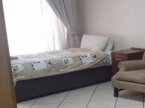 Three Quarter Bed With Shower