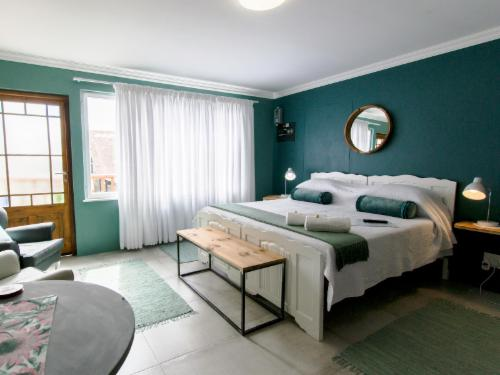 Room 8: Family Unit self catering