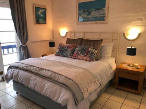 Lovely Santorini Beach home