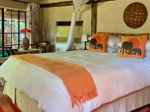Thatched Family/Honeymoon Cottage